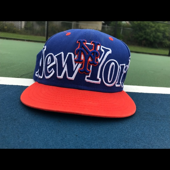 New York Mets Hat. New Era. M 5c4c84e2a5d7c6547031c681.  M 5c4c84e434a4ef3ea068c0c4. M 5c4c84e545c8b38e94ec5377.  M 5c4c84e7aa5719297259082d ef0f4be4191a